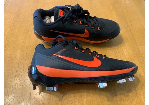 Nike metal baseball cleats Men's size 7